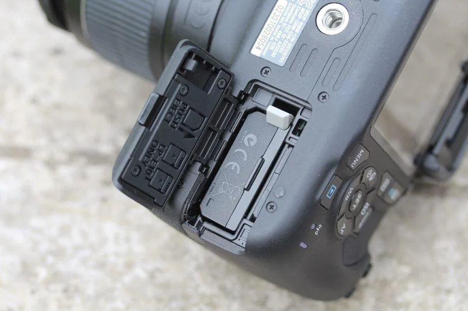 بدنه دوربین ۲۰۰۰D Body