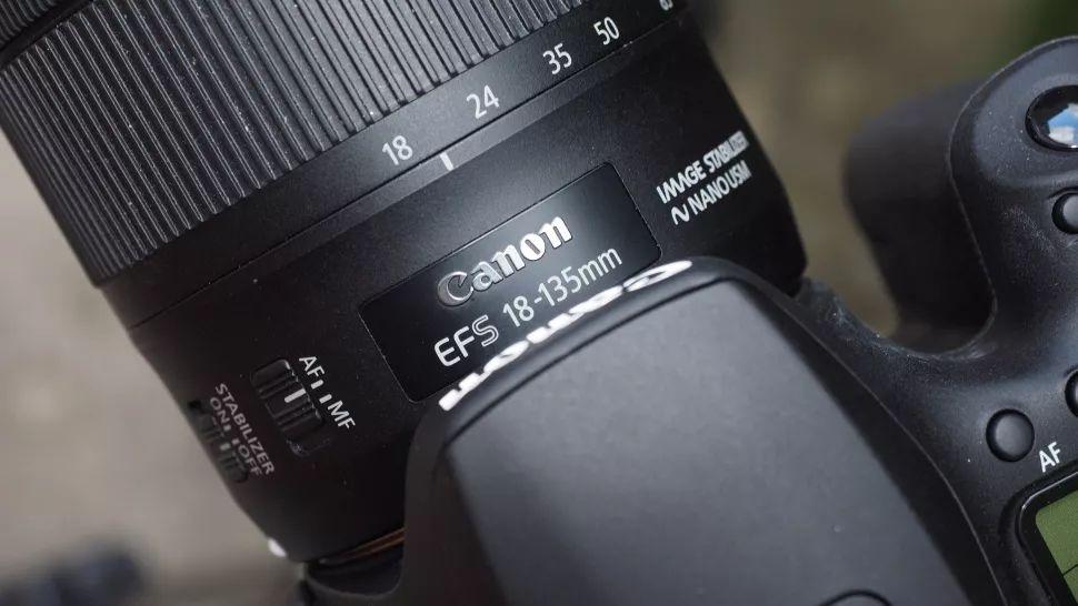 دوربین عکاسی کانن Canon 90D بدنه در دوربین استور