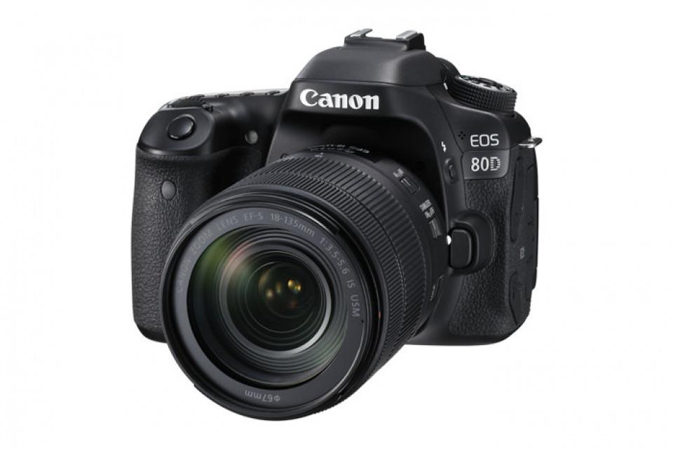 دوربین کانن در دوربین استور EOS 90D با لنز 18 135 میلی متر EF S F3.5 5.6 IS USM