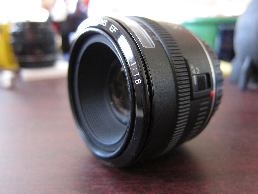 قیمت لنز کانن 50mm f/1.8