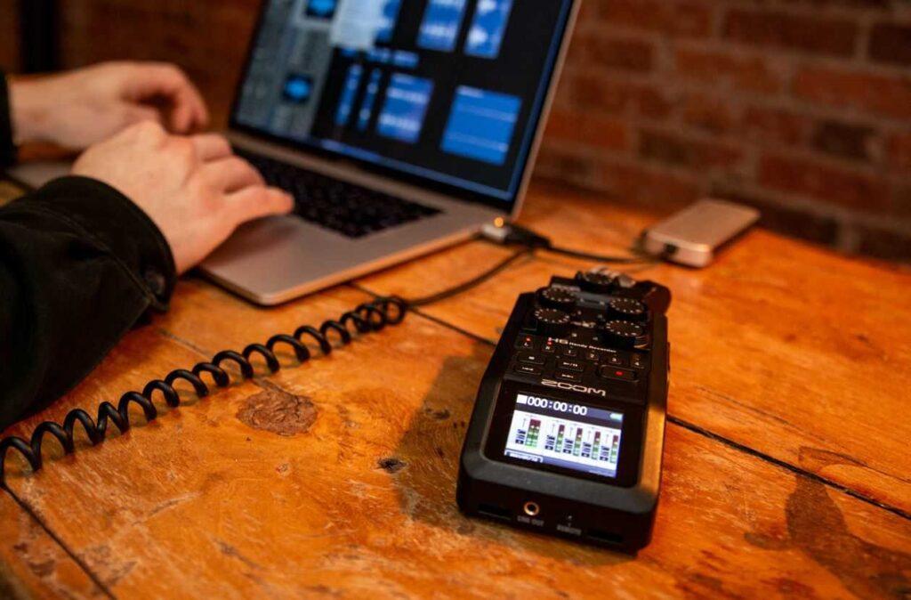 لایسنس رایگان نرم افزار های ویرایش صدا با خرید رکوردر حرفهای صدا زوم Zoom H6