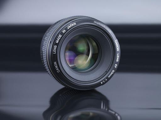 بررسی لنز کانن 50mm f/1.4